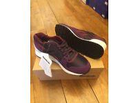 Reebok trainers Size 5.