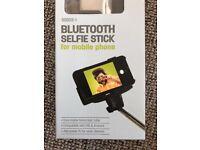Bluetooth Selfie Stick