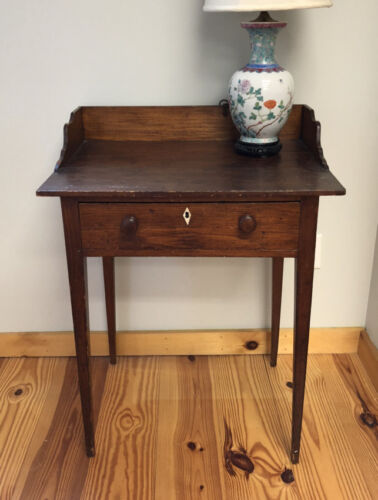 Antique Early American pine one drawer stand with shaped back splash circa 1810