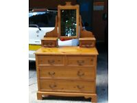Solid Pine Dressing Table With Drawers And Centre Mirror