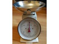 Laura Ashley cream weighing kitchen scales 3kg