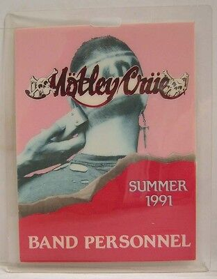 MOTLEY CRUE - ORIGINAL LAMINATE CONCERT TOUR PASS