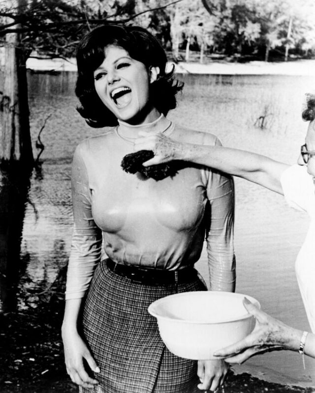 CLAUDIA CARDINALE BLINDFOLD 8X10 PHOTO WET T-SHIRT SEXY SPONGED DOWN LAUGHING