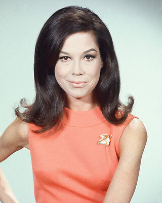MARY TYLER MOORE RARE 8X10 COLOR PHOTO FROM TV SHOW