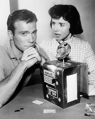 PATRICIA BRESLIN WILLIAM SHATNER THE TWILIGHT ZONE 8X10 PHOTO NICK OF TIME