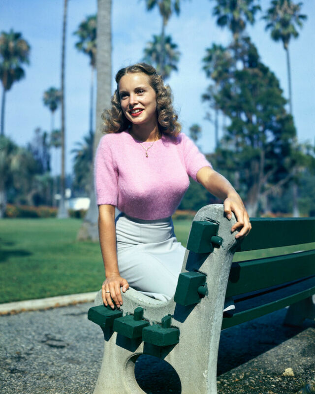 Janet Leigh Rare 1940S Color 8x10 Photo