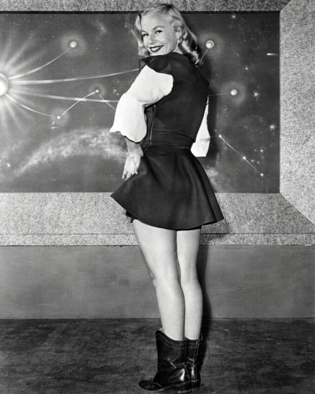 Virginia Hewitt As Carol Carlisle In Space Patrol 8x10 Photo (20x25cm)