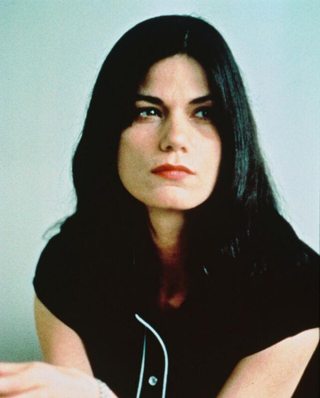LINDA FIORENTINO IN THE LAST SEDUCTION 8X10 PHOTO