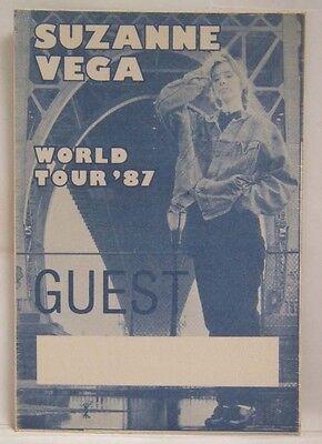 SUZANNE VEGA - ORIGINAL VINTAGE CONCERT TOUR CLOTH BACKSTAGE PASS **LAST ONE**