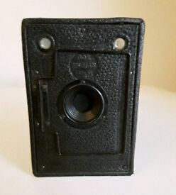 Vintage Houghton Ensign 2 1/2 b box camera.
