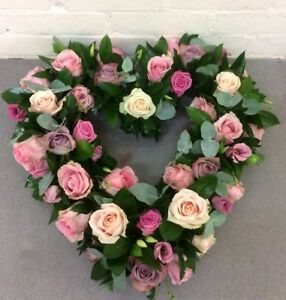 Fresh Flowers Wreath (Funerals) /FREE DELIVERY