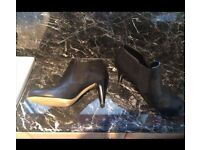 Moda In Pelle Boots - Size 7 - Worn Once