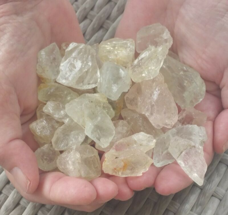 300 grams,1500 carats Goshenite Beryl rough for faceting +free gift