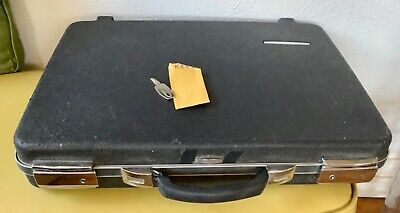 VTg  BRIEFCASE HARD SHELL Black Locking HARDCASE w/ Key Executive attaché case