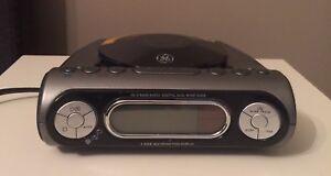 GE Clock radio with cd player