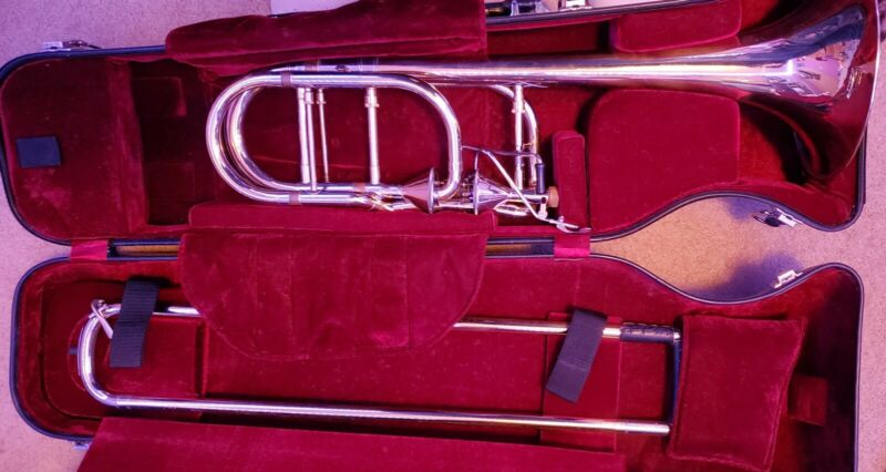 Getzen 3062AF Custom Series Bass Trombone Used in excellent working condition