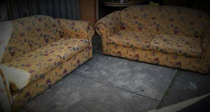 2 X 3 SEATER LOUNGE SUITE FURNITURE SOFA COUCH PATTERN