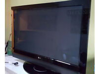 "FAULTY LG 42"" TV FULL HD BUILT IN FREEVIEW WITH REMOTE CONTROL"