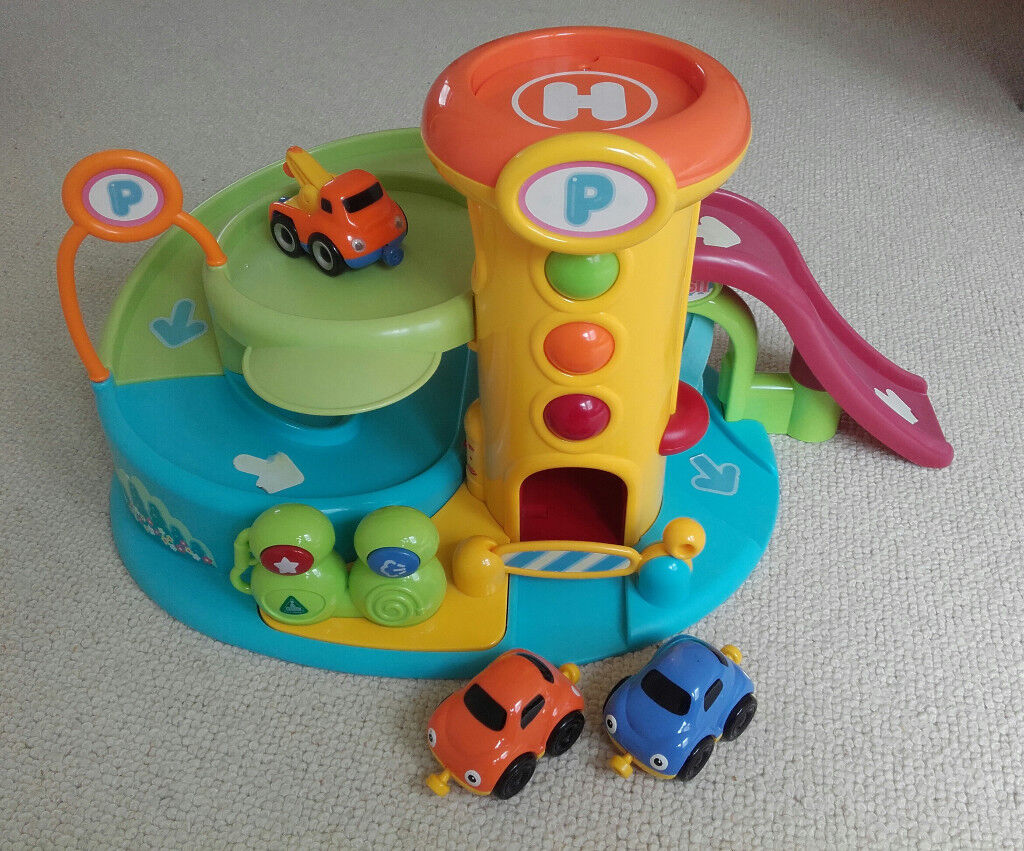 ELC Lights & Sounds Garage toy with 3 magnetic cars
