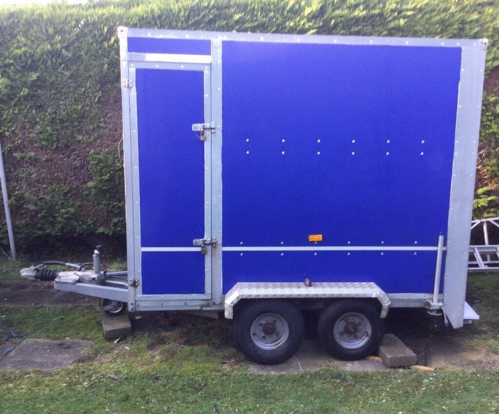 STUNNING BLUE TICKNER BOX TRAILER