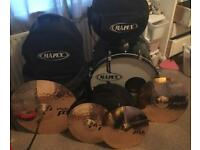 Mapex Full Kit with stand + Paiste 8 cymbals (crash,ride + Hi-hats)