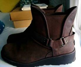 Ladies Dark Brown Ugg Boots (Glen) - Size 8 and a half