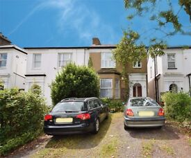 A lovely one bed flat with private garden and communal parking close to East Finchley tube Station