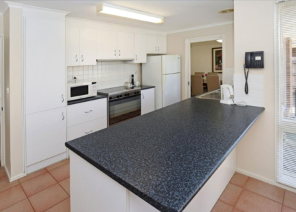 Kitchen with 900m Oven, Gas Cooktop and heaps of extras!