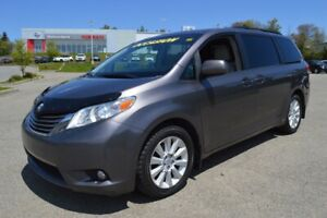 2013 Toyota Sienna XLE AWD, 7 PASSAGERS, CUIR, TOIT OUVRANT