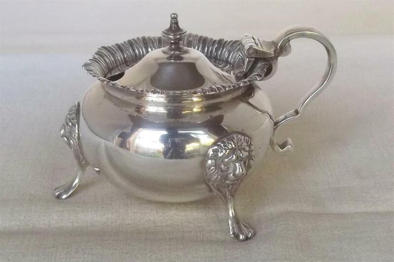 A STUNNING QUALITY LARGE SOLID STERLING SILVER MUSTARD POT 156.5 grams DATE 1927