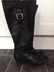 Ladies Clark's Leather Boots - Size 3.5