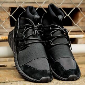 Tubular Doom Triple Black v1 size US 9 DS