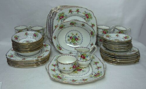 ROYAL ALBERT china PETIT POINT pattern 50-piece SET SERVICE for 8 with Serving