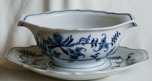 Vintage Blue and White Danube Japan Sauce Gravy Boat - pottery - perfect conditi