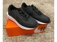 """Nike x Sacai LDWaffle """"Black Nylon"""" - SIZE 9"""
