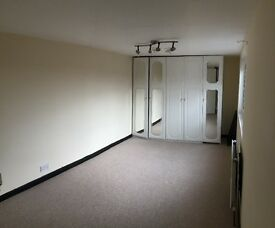 ** VERY LARGE Master Bedroom to Rent, BARKING IG11 ALL BILLS INCLUDED**