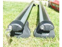 Thule 860 (108cm) Aero Bars with 755 Footpack (for cars with raised roof rails)