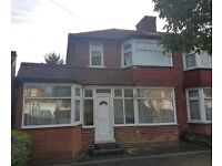 4 Bed Semi-Detached House to Rent in Stanmore