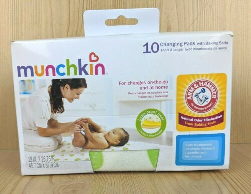 Munchkin Arm and Hammer Disposable Changing Pads with Baking Soda 10 Count
