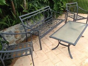Outdoor table and chairs Helensvale Gold Coast North Preview