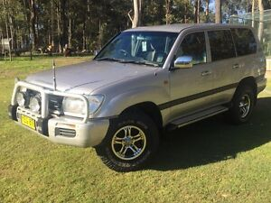 2002  100 series 4.2L Turbo Diesel Toyota Landcruiser GXL Thornton Maitland Area Preview