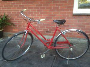 Old school vintage restored women's bike Paradise Campbelltown Area Preview