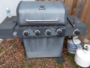 4 Burner BBQ w/ Side Burner, 2 Tanks, and utensils