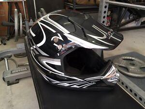 Dirt bike helmet size large, 59-60cm Shellharbour Shellharbour Area Preview