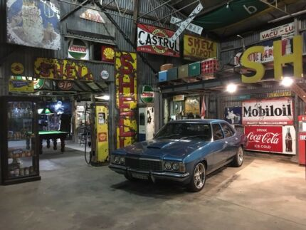 Wanted: WANTED TO BUY old service station items and old Holden's