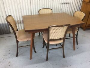 Vintage dining table & 4 bentwood chairs Kewdale Belmont Area Preview