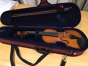 """Used student violin """"Stentor"""" brand. With hard case. Needs new bow. South Yarra Stonnington Area Preview"""