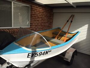 Tinny  Boat De  Havilland & Trailer Picnic Point Bankstown Area Preview