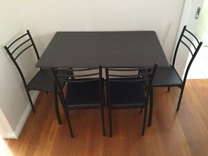 Breakfast table and 4 matching chairs Wollongong Wollongong Area Preview
