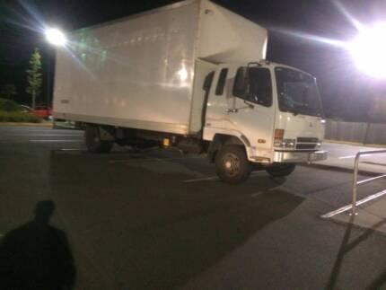 Mitsubishi FK Pantech truck